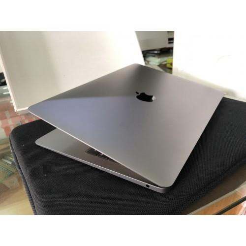 Macbook air 2019 13 inch Retina mới 99,9%