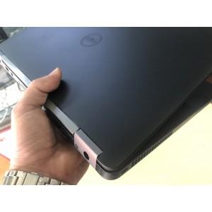 Dell Latitude E5470 core i7-6600u VGA Rời